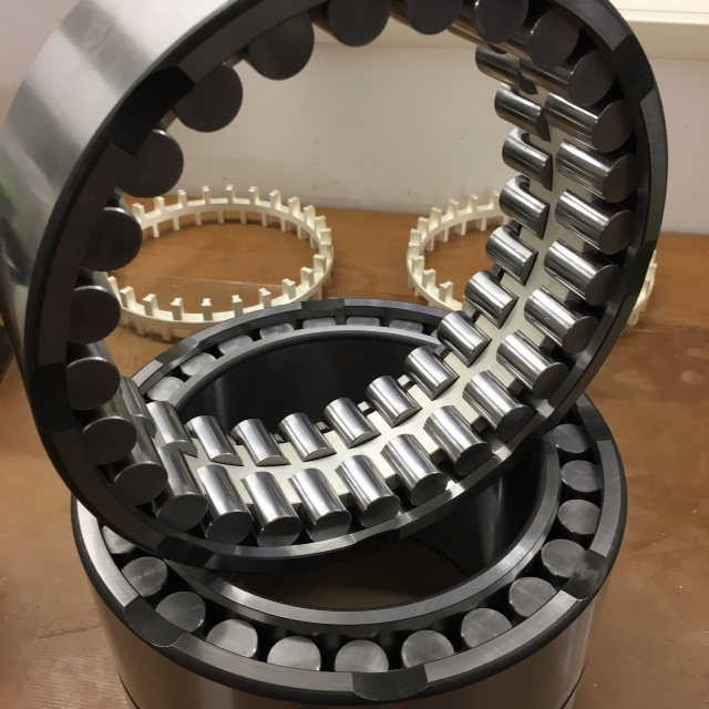 Radial four-row cylindrical roller bearingsfor rolling mills